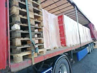 Vrachtwagenchauffeur moet 4.579 euro aan boetes betalen