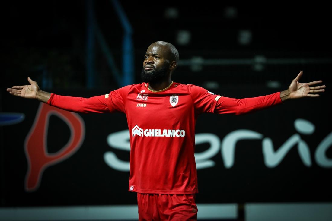 Met de groeten van LZ7: Antwerp voorlopig weer tweede dankzij twee goals van zijn artiest