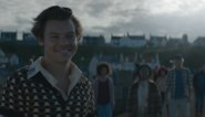 Harry Styles wordt vriendjes met een vis (in zijn nieuwe videoclip)