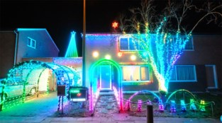 VIDEO. Aalsters Kersthuisje wordt kerstdorp: Gunther (49) al sinds mei in de weer om buurt in kerstsfeer te dompelen