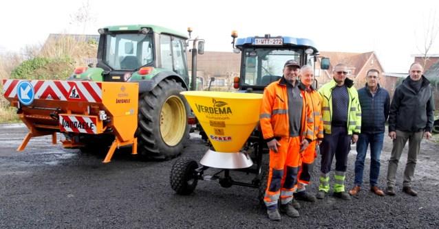 Ruim 66.000 euro voor tractor, zoutstrooier en sneeuwschuif