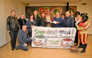 ACV en OKRA schenken 1.150 euro aan Sociaal Huis