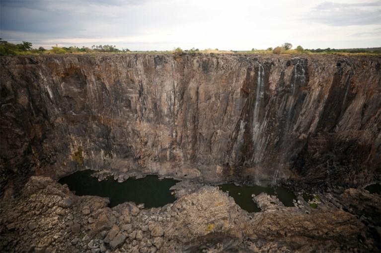 Wereldberoemde Victoria Falls-watervallen dreigen op te drogen: waterpeil op laagste punt in kwarteeuw