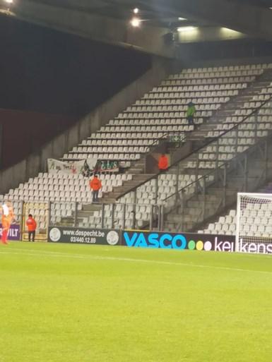 Negen spelers van Beerschot slepen in de 98ste (!) minuut nog een gelijkspel uit de brand tegen Virton