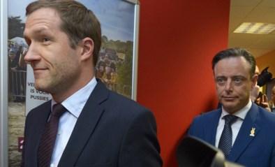 Bart De Wever (N-VA) krijgt informateur Paul Magnette (PS) vanavond over de vloer voor overleg