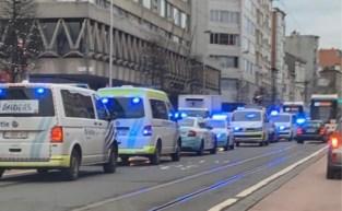 Incident met alarmpistool in winkel: man opgepakt nadat omstanders hem in bedwang houden
