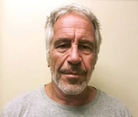 Opnieuw getuigt Epstein-slachtoffer over seks met prins Andrew