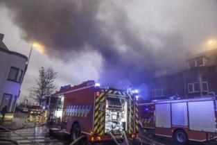 FOTO. Vader en zoon nipt ontsnapt uit brandend huis
