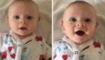 Doof baby'tje lacht wanneer ze haar mama hoort