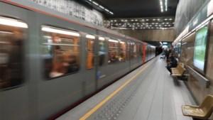 Twee mensen met messen opgepakt op Brussels openbaar vervoer