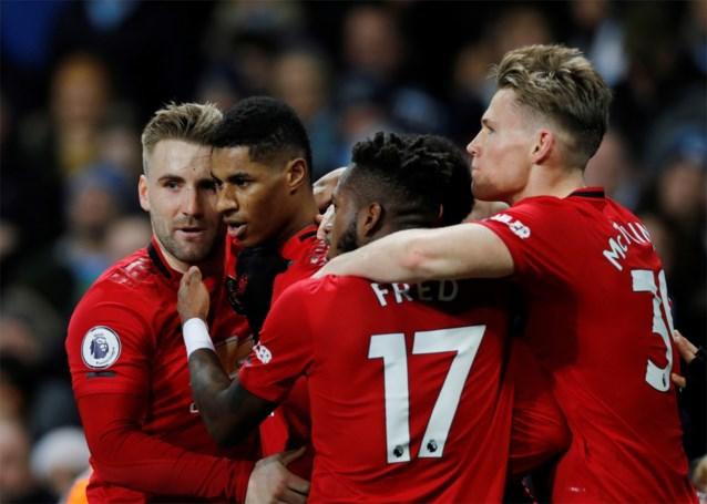 Manchester United zet stadsgenoot City al op veertien punten van Liverpool