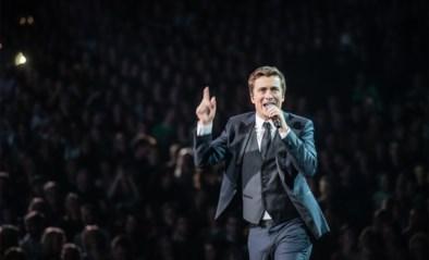 Kippenvelmoment tijdens concertreeks van Niels Destadsbader: Maud van 'Down the road' mag dansen met haar droomprins