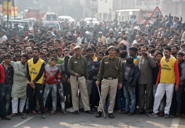 Opnieuw tragedie in fabriek in New Delhi: al minstens 43 werknemers komen om bij brand