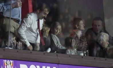 Daar is Mogi Bayat weer: gecontesteerde makelaar duikt nog eens op in tribunes Anderlecht