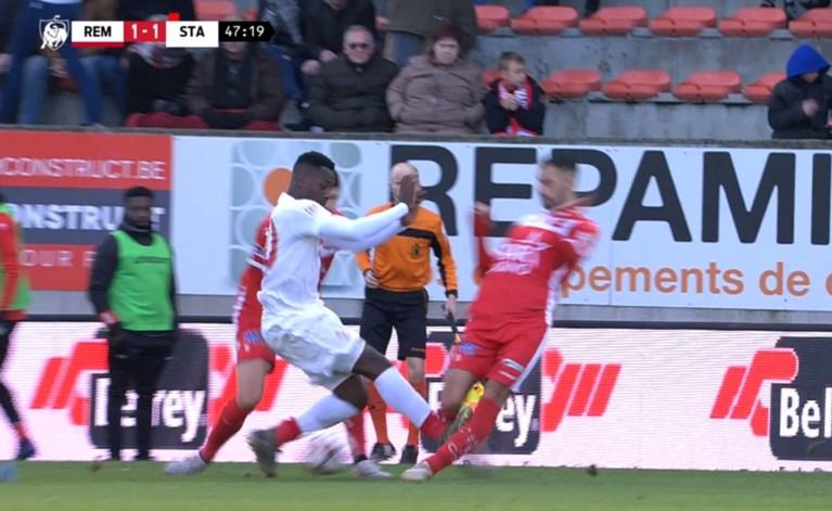 Michel Preud'homme razend op ref na twee duidelijke rode kaarten: