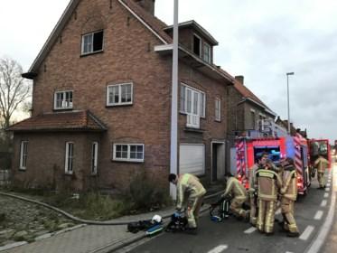 Brandstichting in groot leegstaand huis: politie verdenkt kraker of spelende kinderen