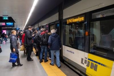 """Complete chaos door nieuwe regeling tram 8:  """"Onze stad een metropool? Het openbaar vervoer is nog primitief"""""""