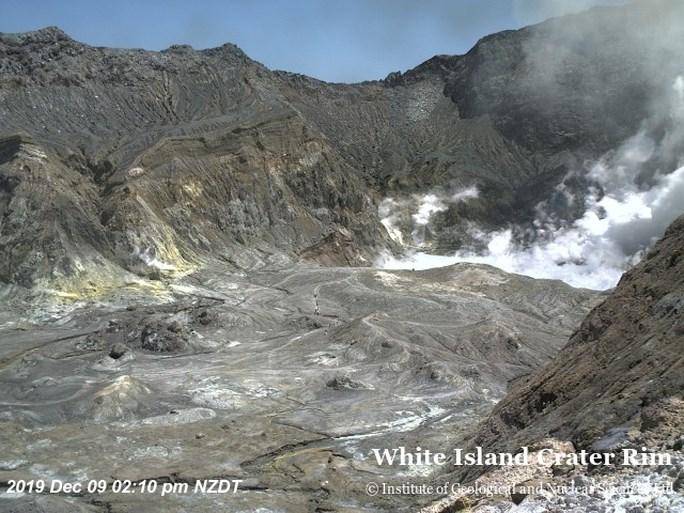 Minstens vijf doden na uitbarsting van vulkaan in Nieuw-Zeeland, politie vermoedt dat er geen overlevenden meer zijn