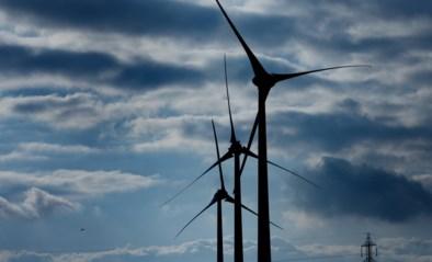 Windturbine verliest twee wieken, oorzaak niet duidelijk