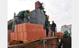 Omdat praktijk nog altijd de beste leerschool is: leerlingen VTI metselen mee aan bouw van Residentie Nathalie