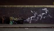 Banksy doet het weer: dakloze wordt even Kerstman (en ondervindt er meteen de warme gevolgen van)