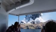 """Toeristen verrast door vulkaanuitbarsting: """"Geen teken van leven meer"""""""