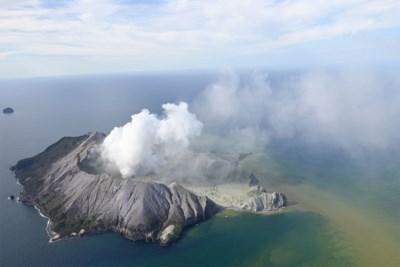 """Hoe spontane reddingsacties levens redden na dodelijke vulkaanuitbarsting: """"Ze konden nauwelijks ademen, maar bleven zoeken naar overlevenden"""""""