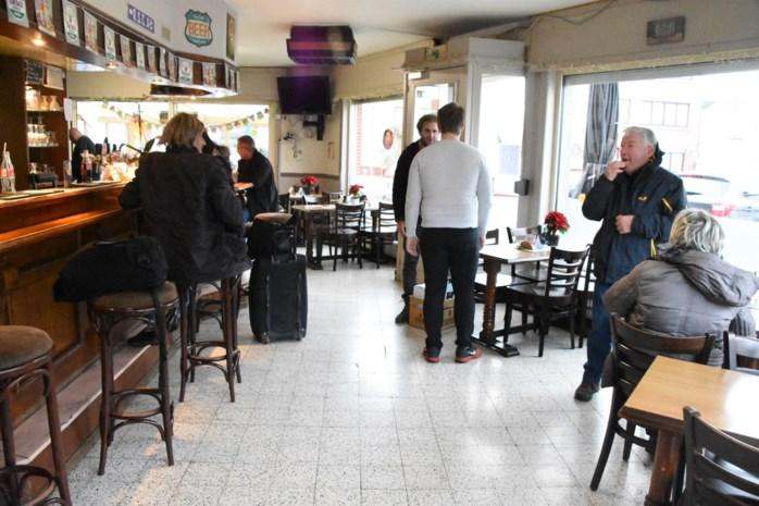 """Treurnis overheerst na overval op café: """"We zijn er het hart van in dat al die mensen hun spaargeld kwijt zijn"""""""
