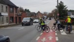 Verkeerslichten en breder fietspad op komst aan onveilig kruispunt F8