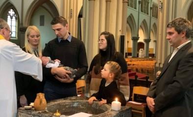 Dubbel doopsel: Kimpsy laat haar beide kindjes tegelijkertijd dopen, ook al hebben ze andere papa's