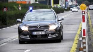 Man neergestoken op Linkeroever, politie op zoek naar aanvaller