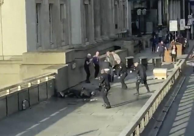 """Man die aanvaller London Bridge overmeesterde, doet zijn verhaal: """"Ik was bereid om te sterven"""""""