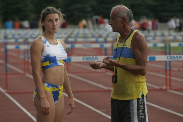Liefdesdrama of dopingzaak? Frankrijk in de ban van merkwaardige driehoeksverhouding tussen atlete, stiefvader en minnaar
