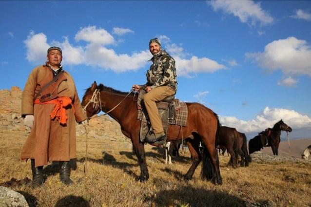 """Donald Trump junior schiet """"nationaal symbool"""" dood in Mongolië"""