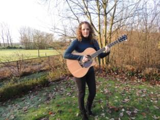 Yent'l (30) neemt na schildklierkanker muziek op in Verenigd Koninkrijk