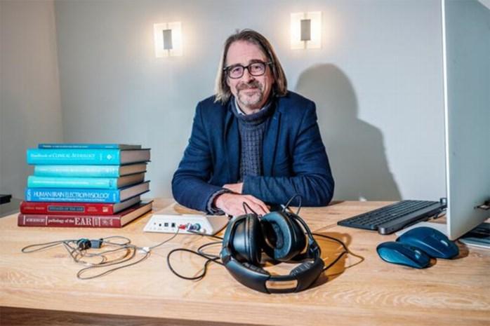 Audioloog waarschuwt: welke oortjes zijn het slechtst voor je gehoor? En is een ouderwetse koptelefoon beter?