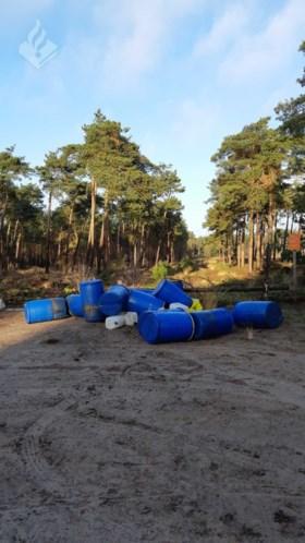 Grote hoeveelheid drugs gedumpt in bos: XTC-afval sijpelt in grond