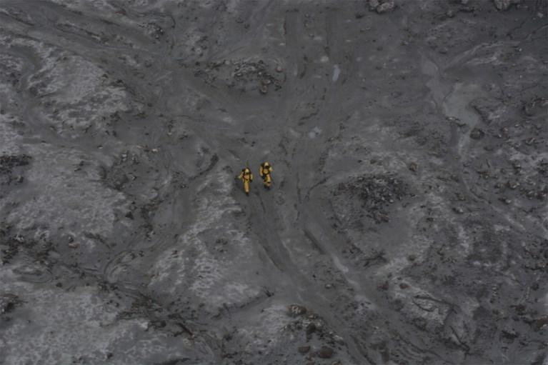 Gespecialiseerd team bergt, met gevaar voor eigen leven, zes lichamen na vulkaanuitbarsting Nieuw-Zeeland