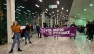 """Honderdtal activisten betogen in UGent na lezing Jeff Hoeyberghs: """"Willen dit niet zomaar laten passeren"""""""