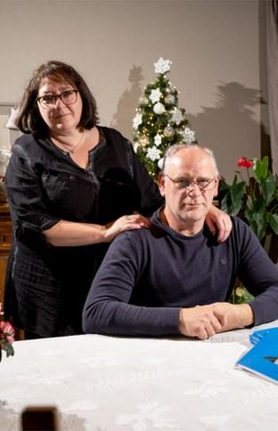 Ouders en zus van Flore (21) schrijven boek over haar strijd tegen leukemie