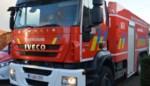 Speed pedelec gegrepen door vrachtwagen, vrouw zwaargewond