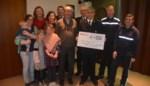 FOTO. Brandweer schenkt 4.000 euro aan CAR
