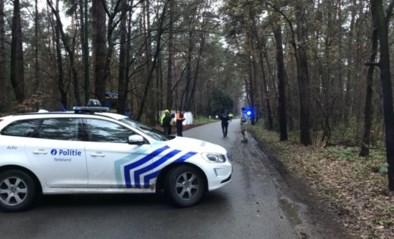 """17-jarige fietser doodgereden, bestuurder pleegt vluchtmisdrijf: """"Het fietslicht brandde nog en er lagen brokstukken"""""""