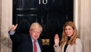 Het 24 jaar jongere 'brein' achter Boris Johnson, die de Britse premier onder de duim houdt: <I>first girlfriend </I>Carrie Symonds