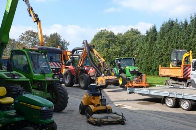 Gemeente bestelt zes wagens en een tractor