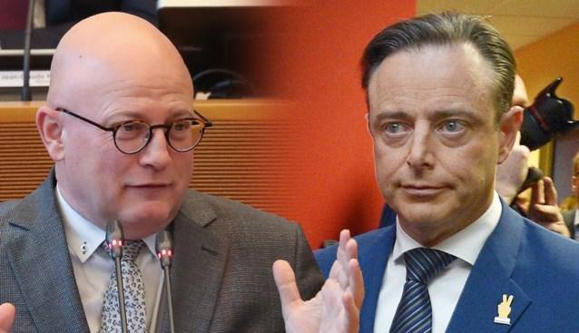 """Waalse MR-minister haalt uit naar Bart De Wever: """"Heb er genoeg van dat men ons als Untermenschen behandelt omdat we Walen zijn"""""""