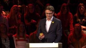 Erik Van Looy beleeft pijnlijk moment en finalist vertelt over mysterieuze 'Coca-Cola kakker'
