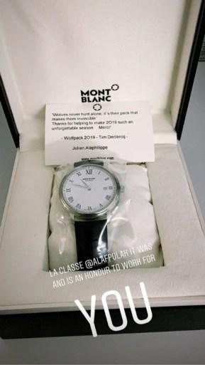 Klasse: Julian Alaphilippe bedankt zijn ploegmaats voor het wonderjaar met duur horloge