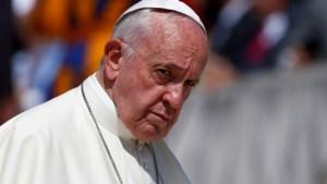 Paus komt met nieuwe richtlijnen die verhinderen dat kerk nog langer misbruikverhalen in de doofpot stopt