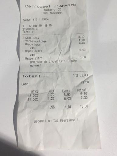 """""""Extra pannenkoek voor dikzak aan tafel 1"""": Antwerpse brasserie onder vuur na beledigen klant, kelner ontslagen"""